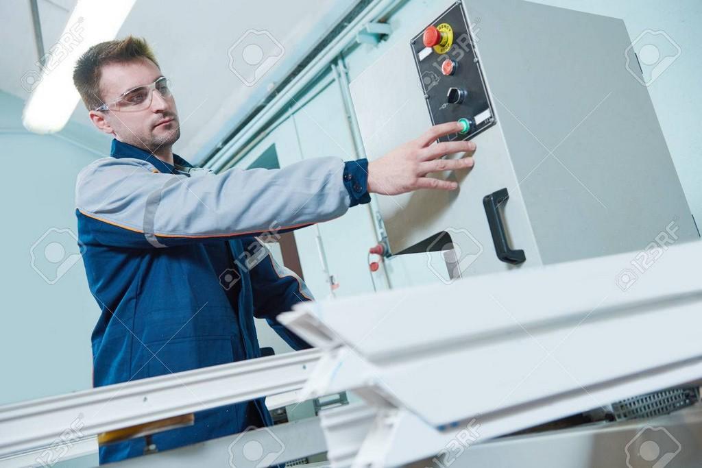 Kunststoff Fenster Und Trenbau Produktionsarbeiter Pvc Profil Fr regarding proportions 1300 X 867