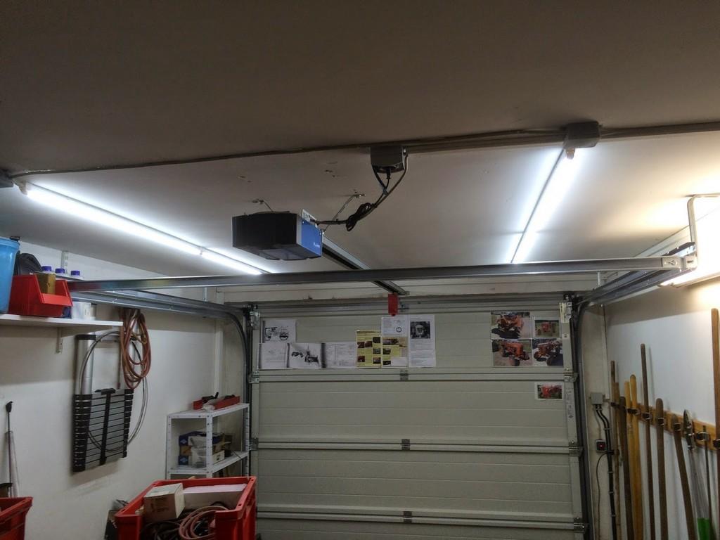 Magics Westfield Seiw Rhd 2006 Garagen Beleuchtung regarding proportions 1600 X 1200
