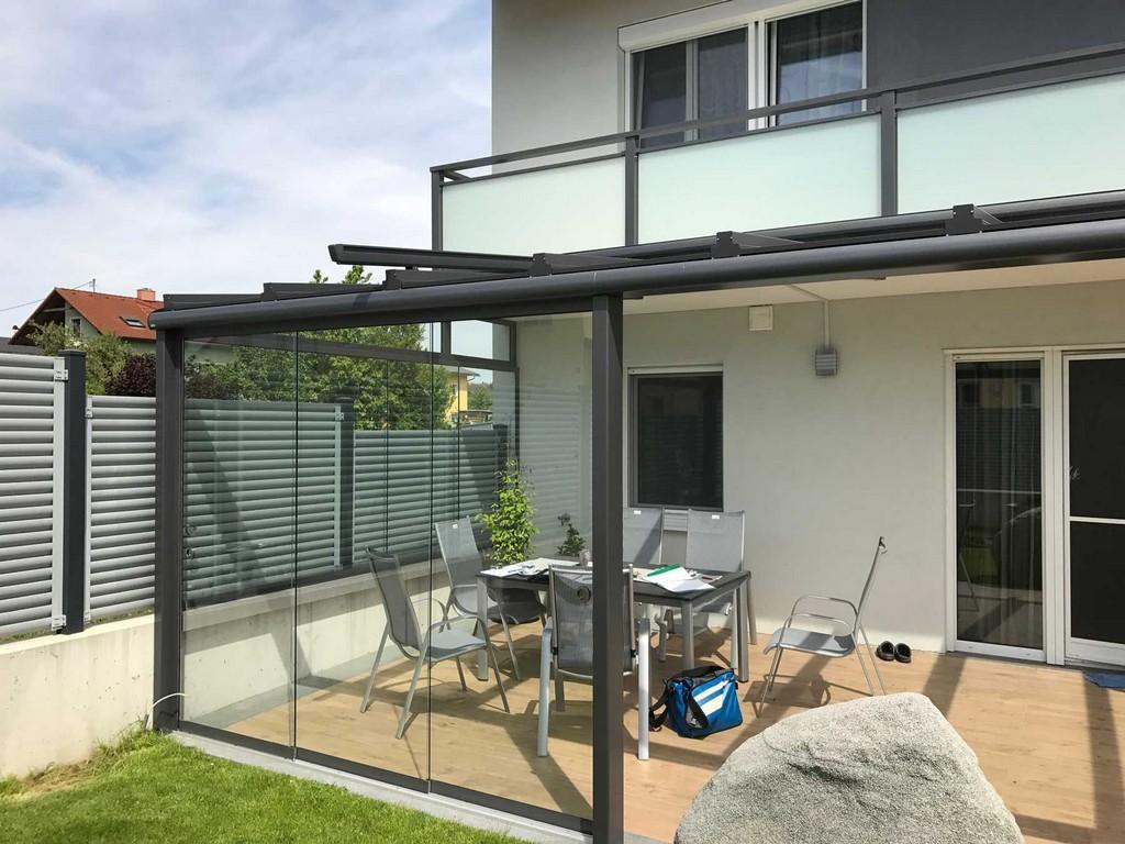 Moderne Terrassenberdachung In Grau Mit Windschutz Zum Schieben intended for sizing 1800 X 1350