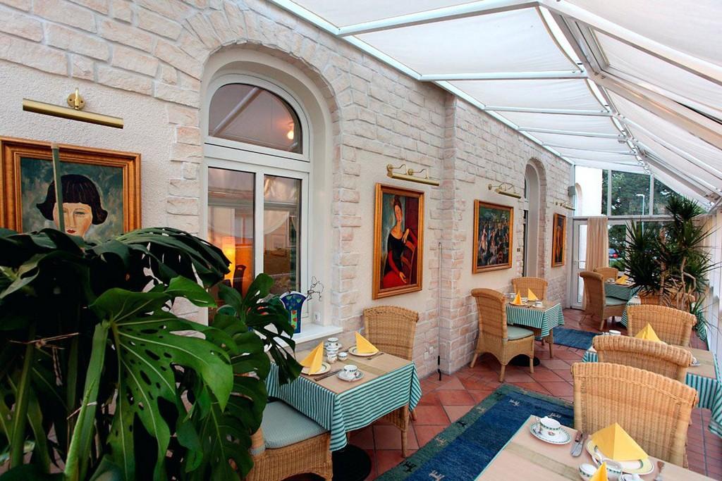 Pension Am Grossen Garten Bildergalerie Lage A Onlinebuchung A pertaining to proportions 1200 X 800