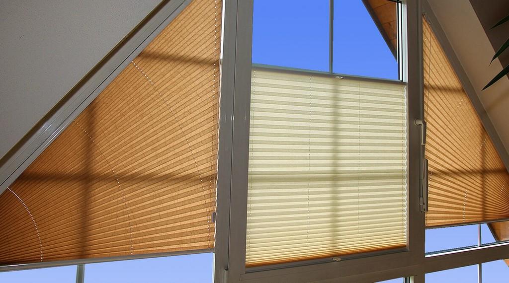 Schrge Giebelfenster Freihngend Rojaflex intended for size 1200 X 668