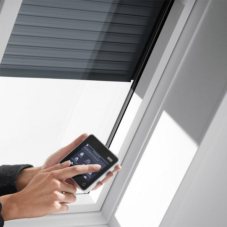 Velux Dachfenster Rolladen Ihr Rundum Schutz Frs Ganze Jahr for proportions 940 X 940