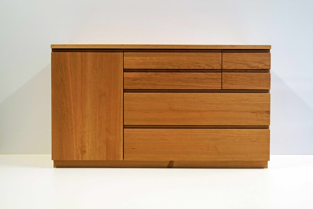 Zeitlose Sideboards Aus Massivholz Lignum Mbel Interieur in measurements 5456 X 3632
