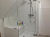 Duschabtrennung In Dachschrge Glas Spiegelcenter in size 800 X 1066