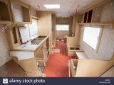 Ein Wohnwagen Konvertierungsprojekt Zeigen Die Nackten Interieur throughout measurements 1300 X 956