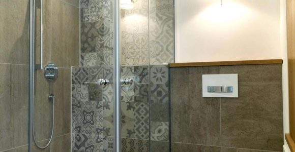 Lampe Fur Dusche Fabelhafte Fa R Die Mosaikfliesen Fr Ys Hitoiro intended for sizing 1030 X 1389