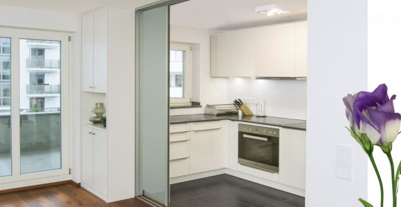 Halbhohe trennwand wohnzimmer fabulous moderne wohnzimmer von mat e design with halbhohe - Raumteiler kuche esszimmer ...