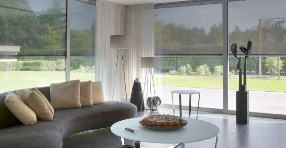 Sichtschutz Und Bodentiefe Verglasung So Knnen Auch Groe Fenster with regard to size 1181 X 838